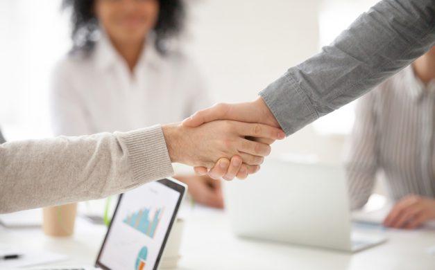 Terceirização pode trazer fôlego para empresas e candidatos em busca de emprego
