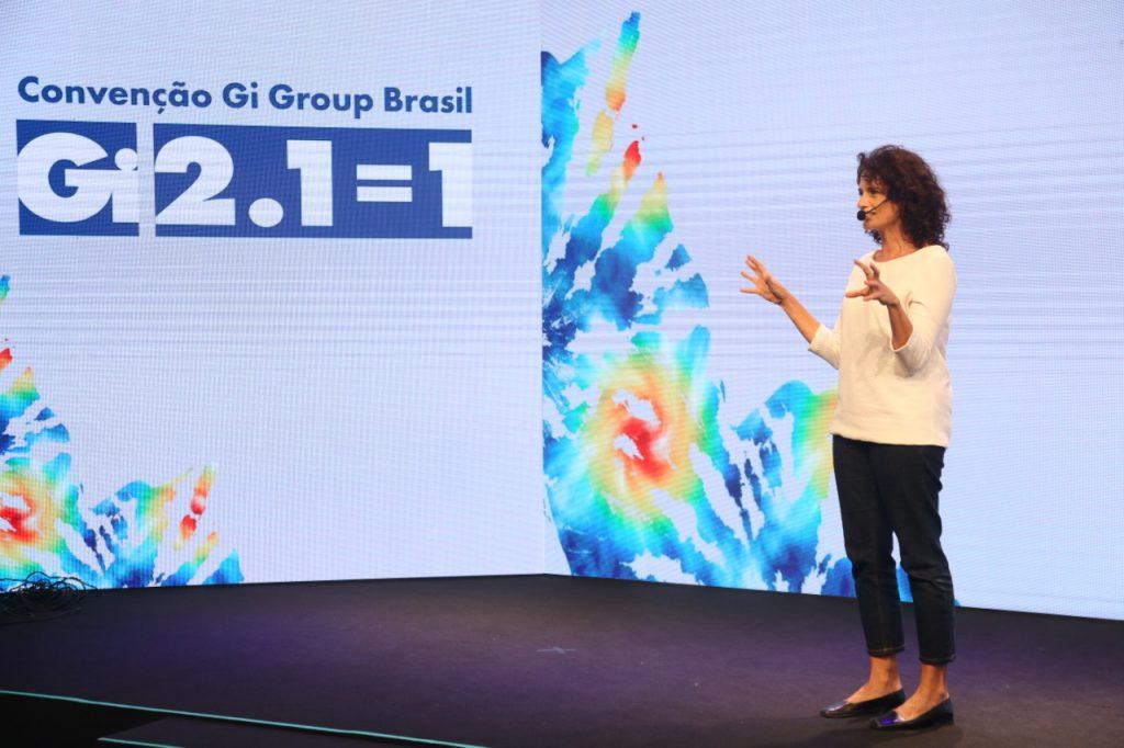 Denise Fraga (atriz, produtora e palestrante) emocionando a todos na Convenção Gi Group Brasil 2.1=1.