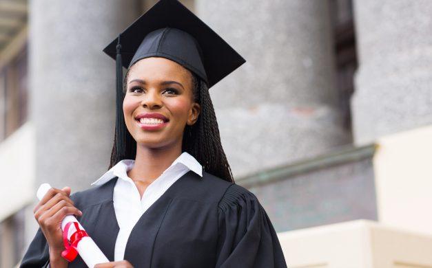 A graduação é apenas o início de uma carreira profissional. Confira nossas dicas para manter-se atualizado, após este momento tão importante.